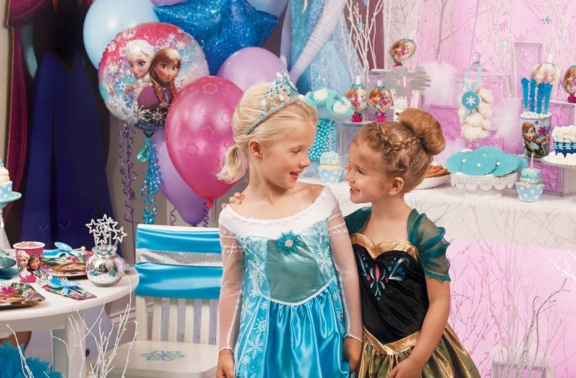 1d8f654df8ac If you have girl twins, then it would be best to have frozen theme birthday  party. You can dress girls as Anna and Elsa. Make sure to have décor which  would ...