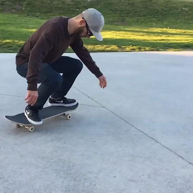 How to Switch FS Pop Shove-it - Best Skateboard tricks - RIDERS