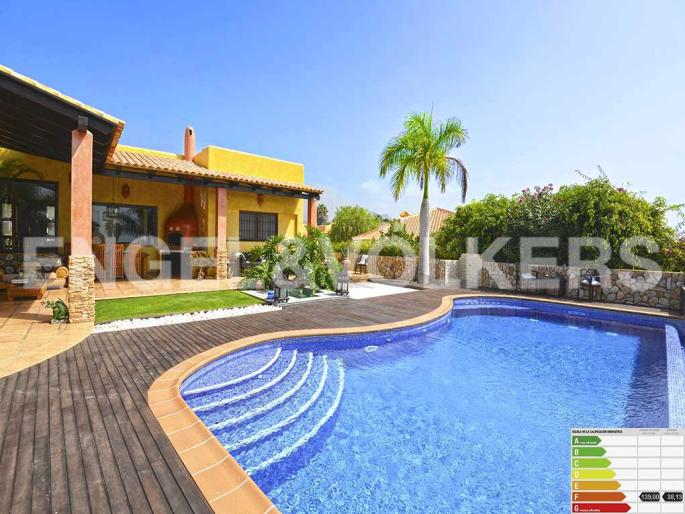 Inmobiliaria en tenerife propiedades en venta villas for Decor international adeje tenerife