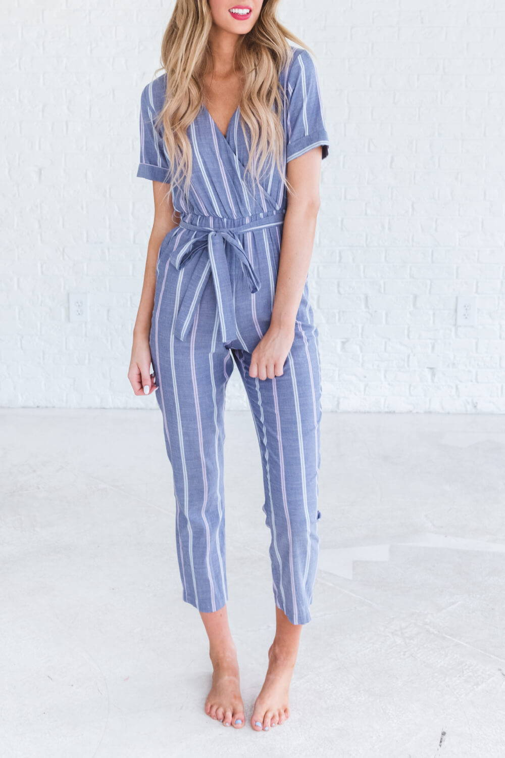 Summer Reading List 2018 spring jumpsuit on woman