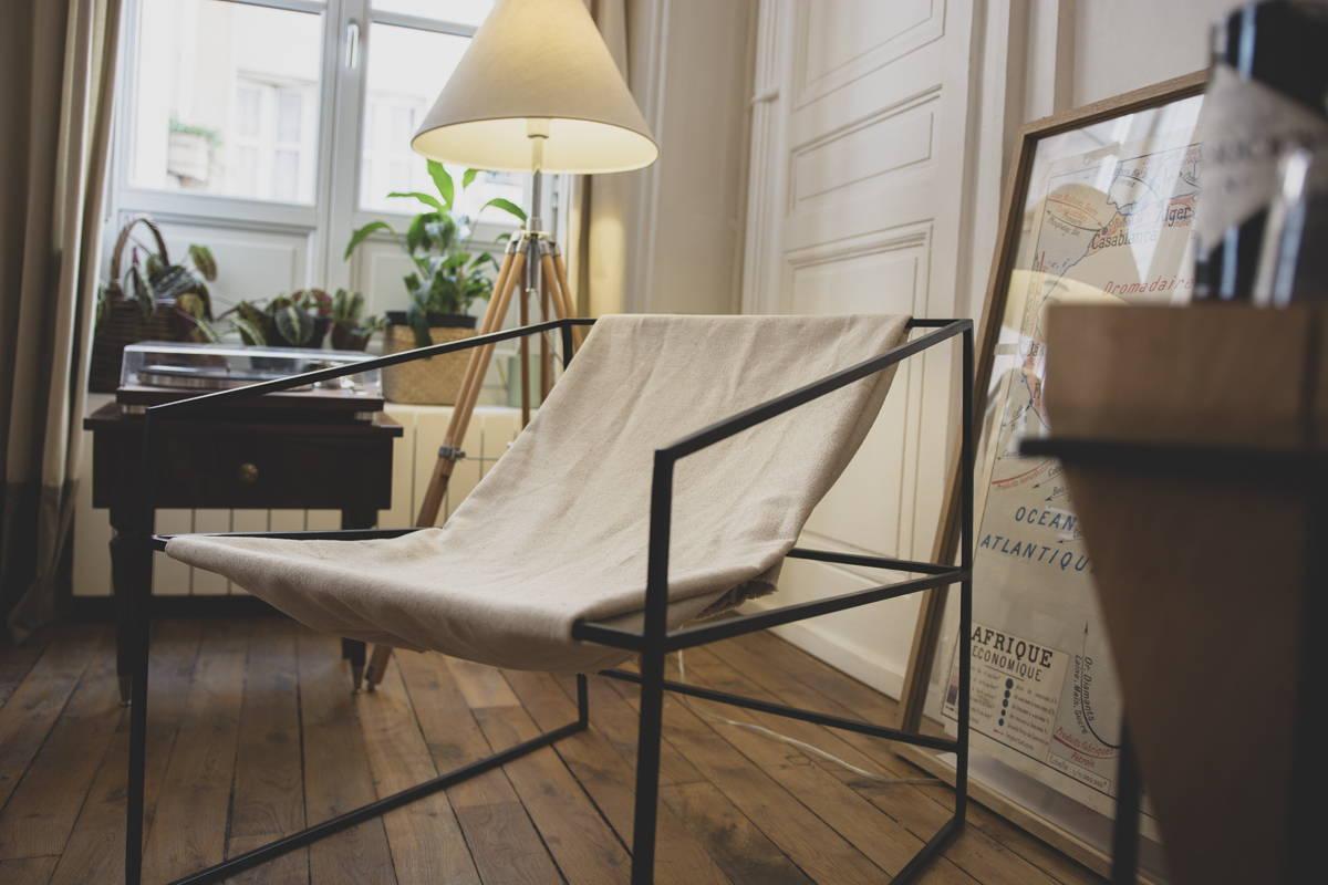 Chaise type industrielle métal et bout de tissu