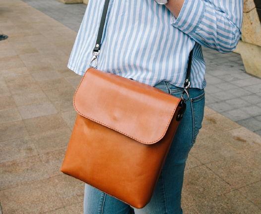 Рыжая кожаная женская сумка через плечо