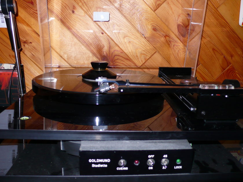 TURTABLE GOLDMUND    TONEARM TANGENTIAL PIERRE LURNÉ SL5   CARTRIDGE AKG P100 STUDIETTO