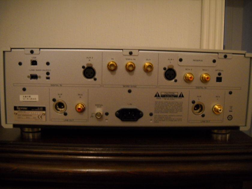 Esoteric D-02 110 volt version