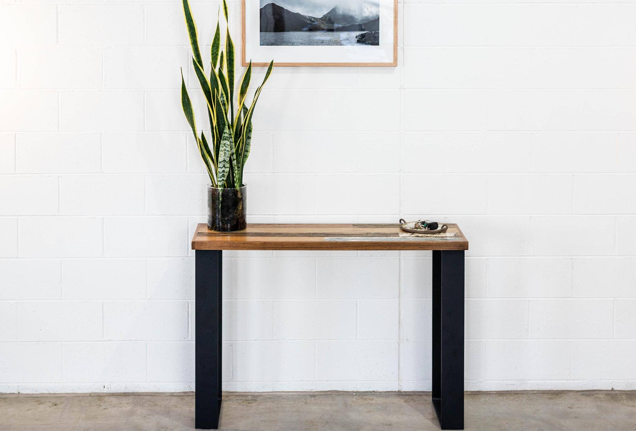 Hall Table Scatter Top with Black Steel Box Ends