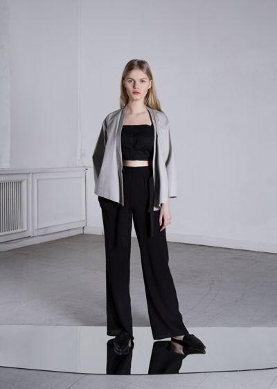 Легкие черные брюки из вискозы