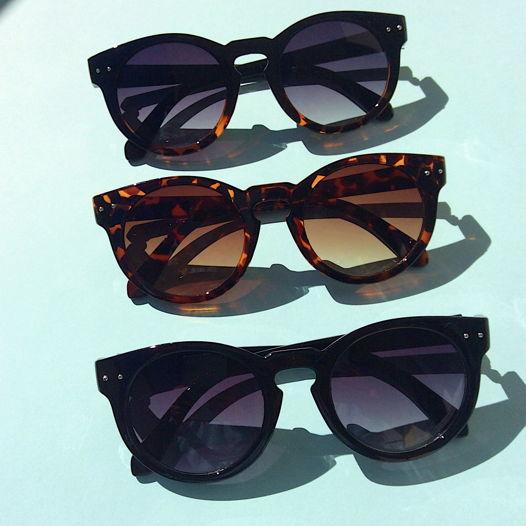 Солнцезащитные очки Classic