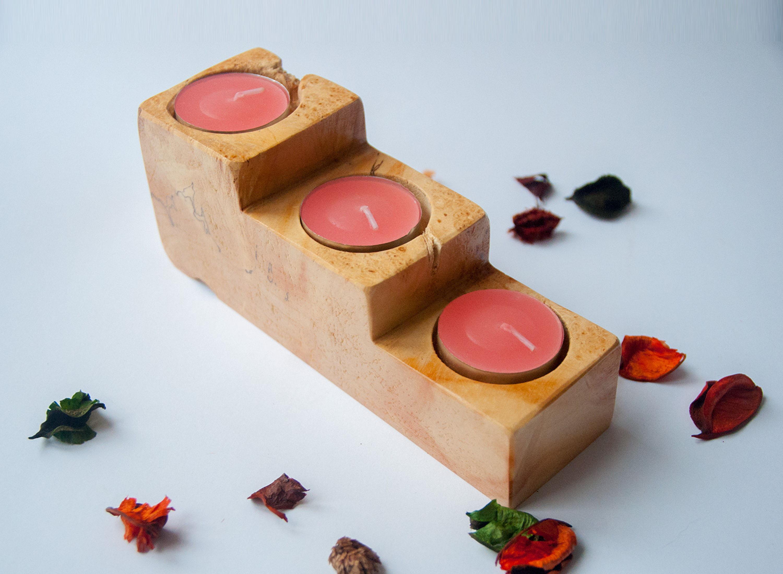 Подсвечник из дерева для трёх свечей