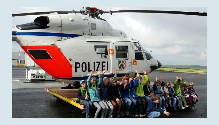 airport dortmud polizei helikopter mit kindern