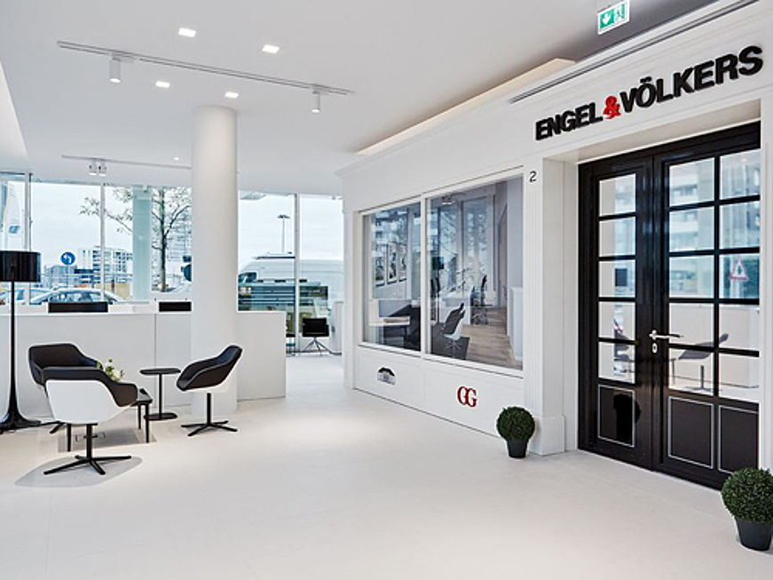 Viège - Headquarter Engel & Völkers Workspace