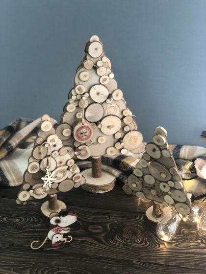 Настольная елка из срезов дерева большая