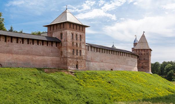 Пешеходная экскурсия по ключевым достопримечательностям Великого Новгорода