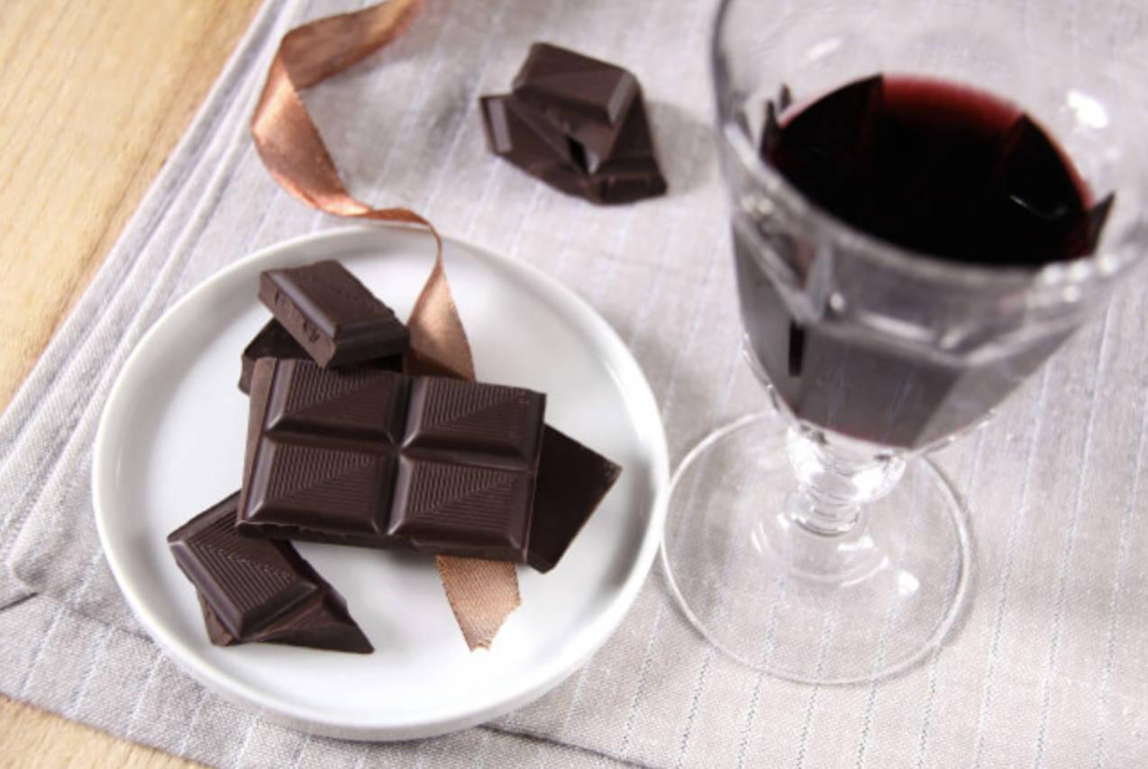 チョコとワイン画像