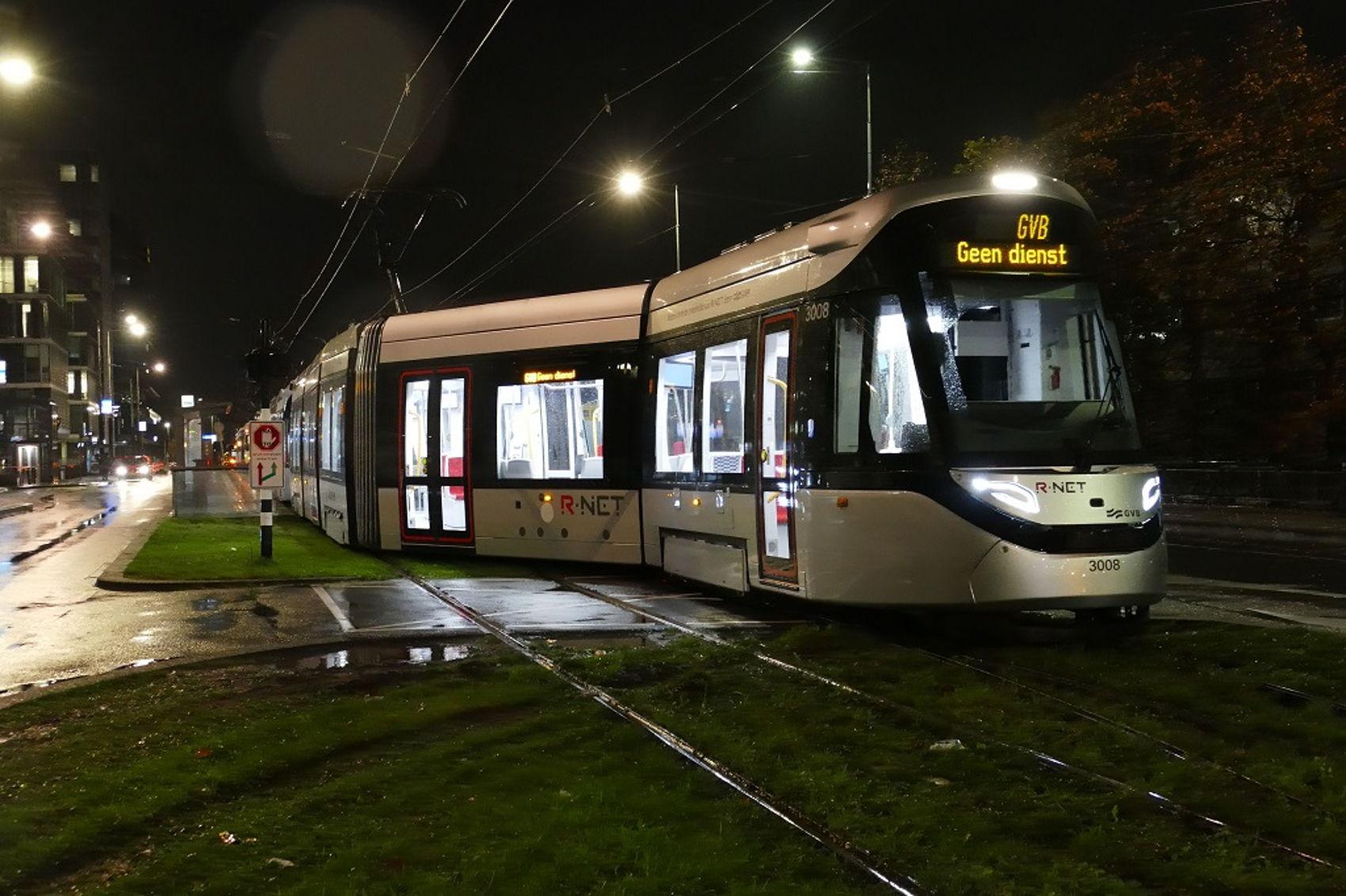 De tram op Station Zuid was in het verkeerde spoor terecht gekomen. Onderzoek naar de oorzaak loopt nog.