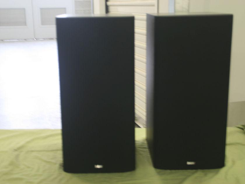 B&W DM 602 Black plus speaker stands