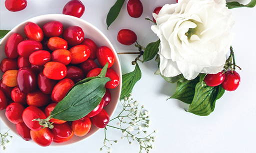Goji Berry Extract Goji berries contain a wide range of micro and macro nutrients in a very biologically active