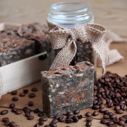 Свежесваренный кофе -  натуральное мыло-скраб  с нуля с молотыми зернами кофе