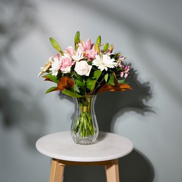 Selection of Sympathy Flowers_flowers_delivery_interflora_nz