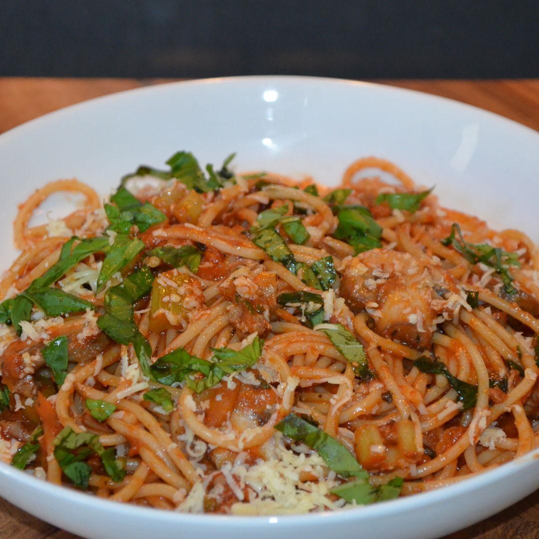 Date: 15 May 2020 (Fri) 123th Main: Beef & Mushroom Spaghetti Bolognese with Basil & Parmesan [352] [163.1%] [Score: 9.5] Cuisine: Italian Dish Type: Main