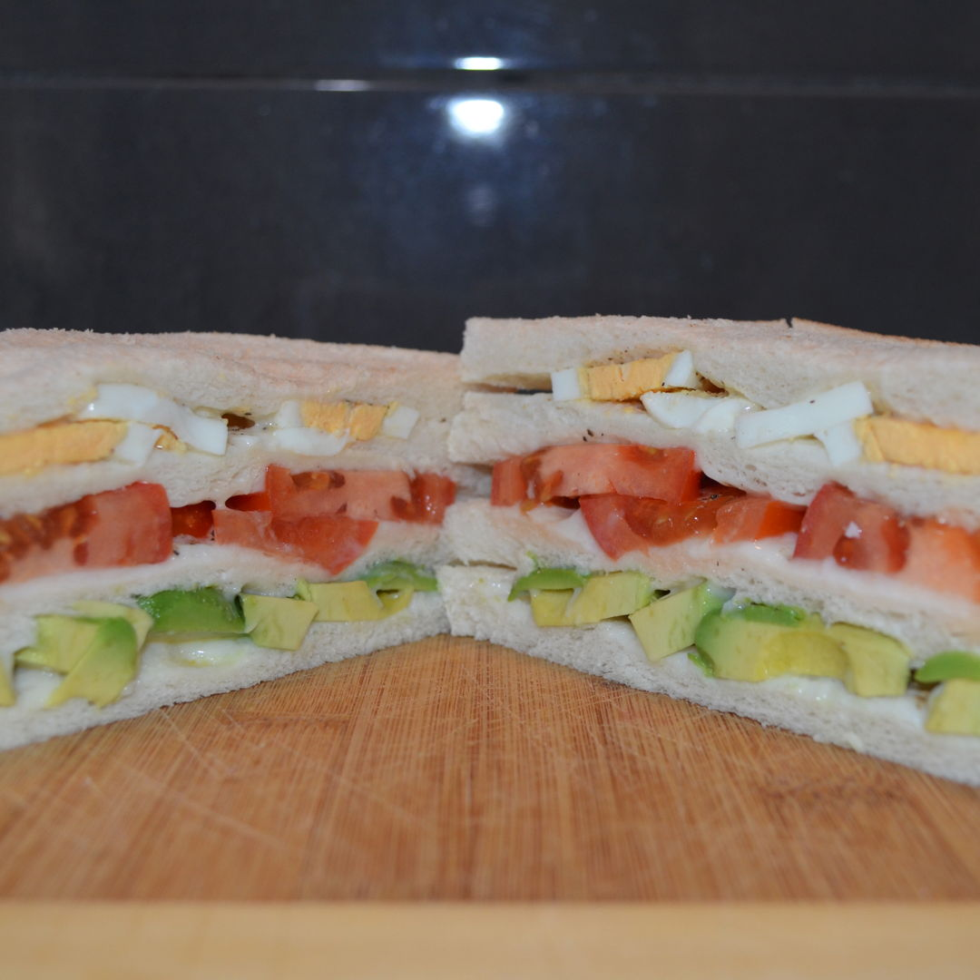Date: 23 Feb 2020 (Sun) Triple Sandwich [A remake] Cuisine: Peruvian Dish Type: Snack I found this recipe in the Food & Cooking of Peru by Flor Arcaya de Deliot. Although there are a number of youtube videos that show how to make Triple Sandwich, I believe it has a Peruvian origin.  This is a favourite snack of Harrisdale Kitchen, and I've got countless requests for it.