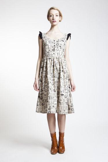 """Платье с """"швейным"""" принтом"""