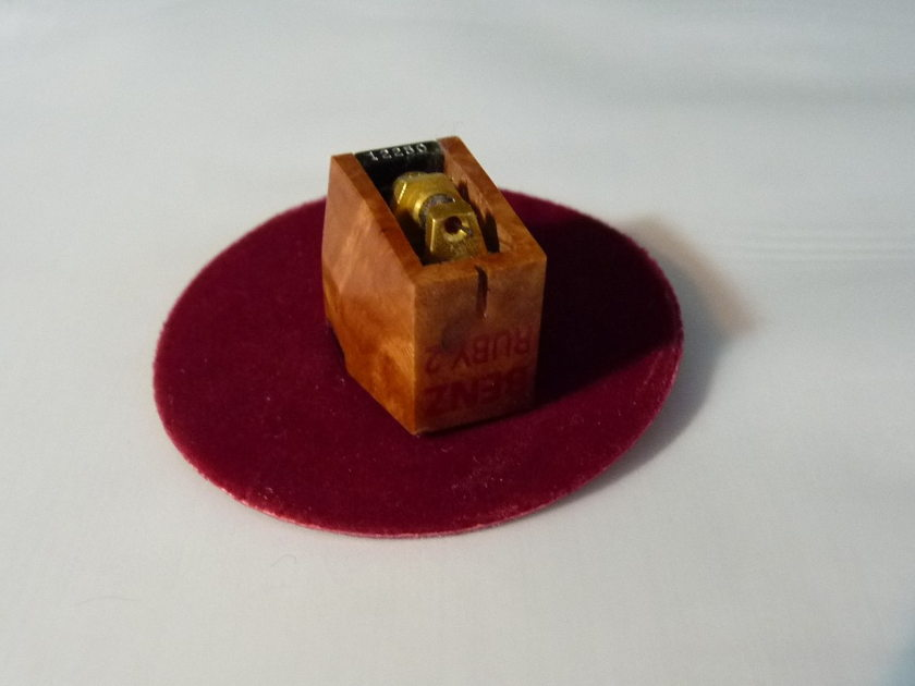 Benz Micro Ruby 2  cartridge in perfect condition LOMC