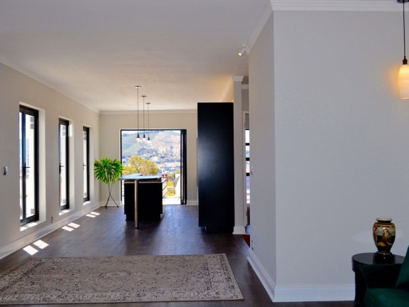 Sunningdale, Cape Town - C7D2442CE95B7715E18591A319268585-VIEW-DISPLAY.jpg