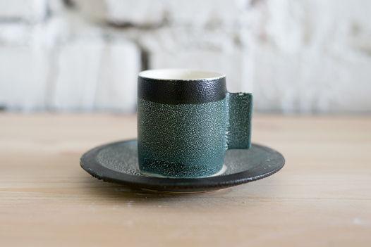 Чашка для эспрессо с блюдцем.