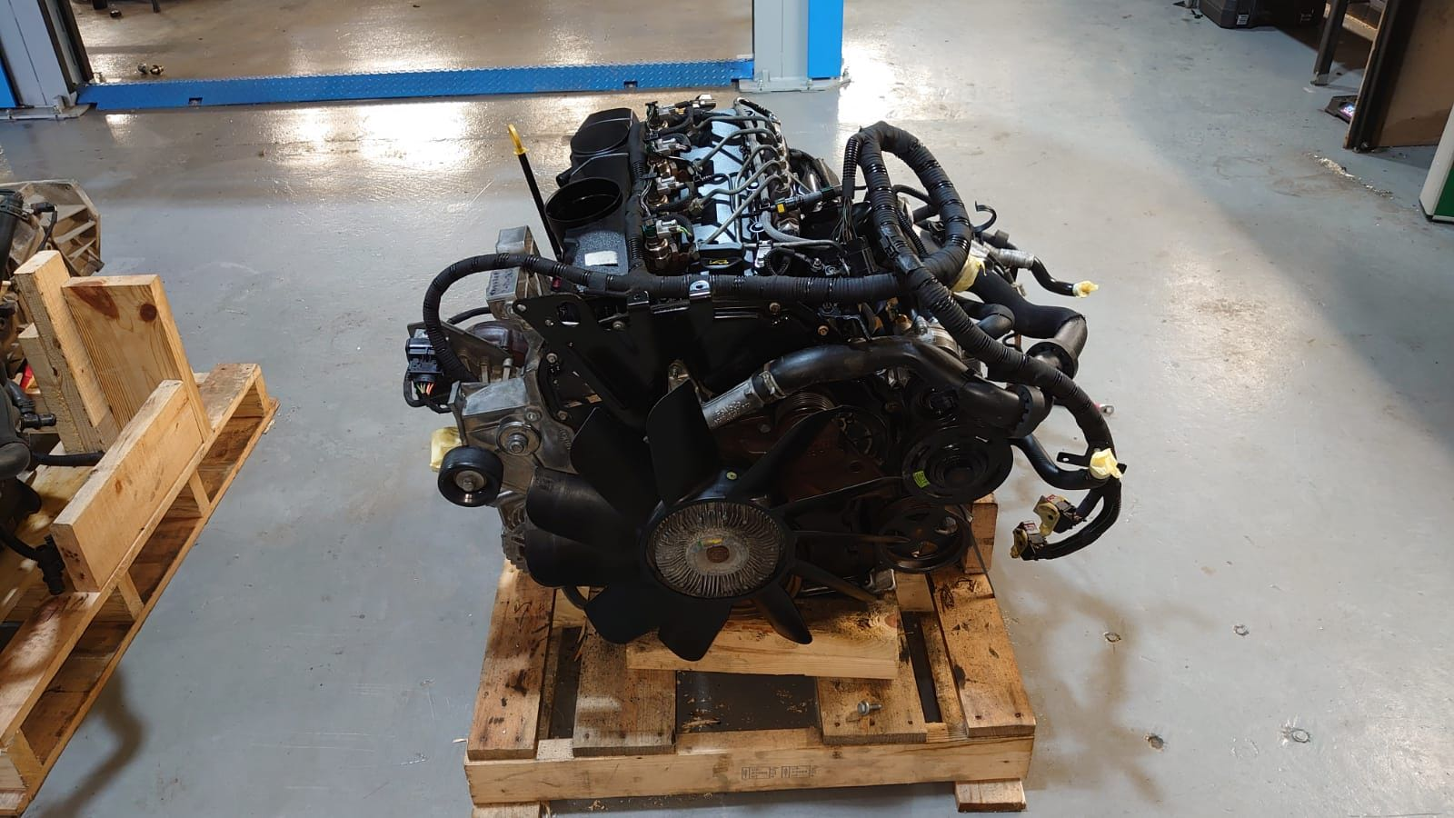 2009 2.4 TDCI COMPLETE ENGINE. COVERED 30,000 MILES's featured image