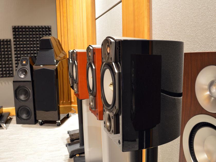 Paradigm Studio 20 v5 Monitor - Piano Black