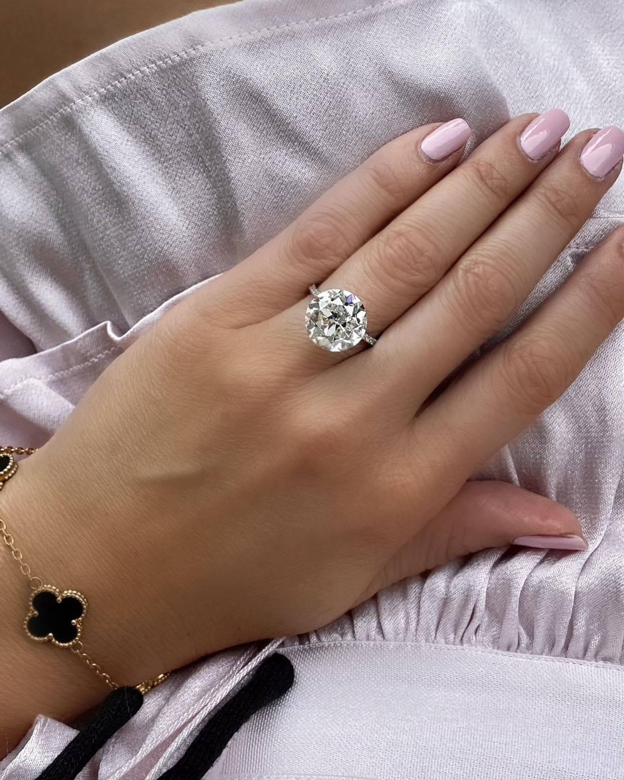 Miss Diamond Ring 5 Carat 6 Carat Round Diamond Engagement Ring