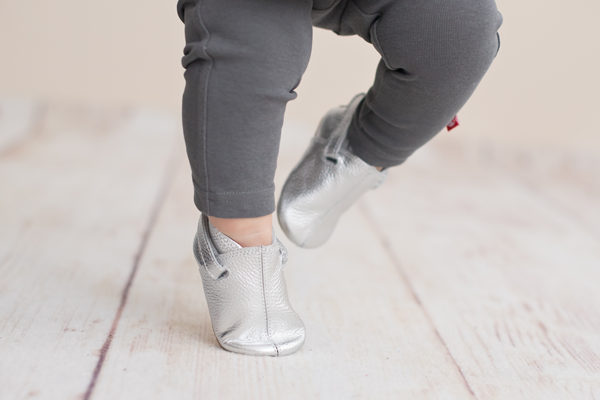 e1e0d7c4cc2a Here s Why The Zutano Baby Shoe Is The Perfect First Walker For Baby