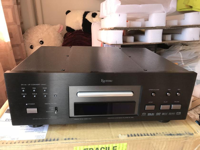 ESOTERIC  DV 50S UNIVERSAL PLAYER  SACD,DVD AUDIO, CD