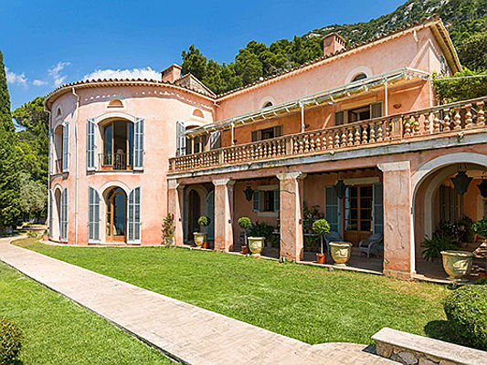 "Vilamoura / Algarve - The ""Son Galcerán"" estate on Majorca's northwest coast has a fascinating history. Engel & Völkers is brokering the former country seat of Austria's Archduke Ludwig Salvator for 7.5 million euros.(Image source: Engel & Völkers Majorca)"