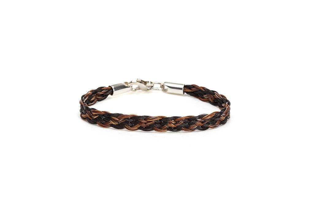 Bracelet of braided horsehair in two colors