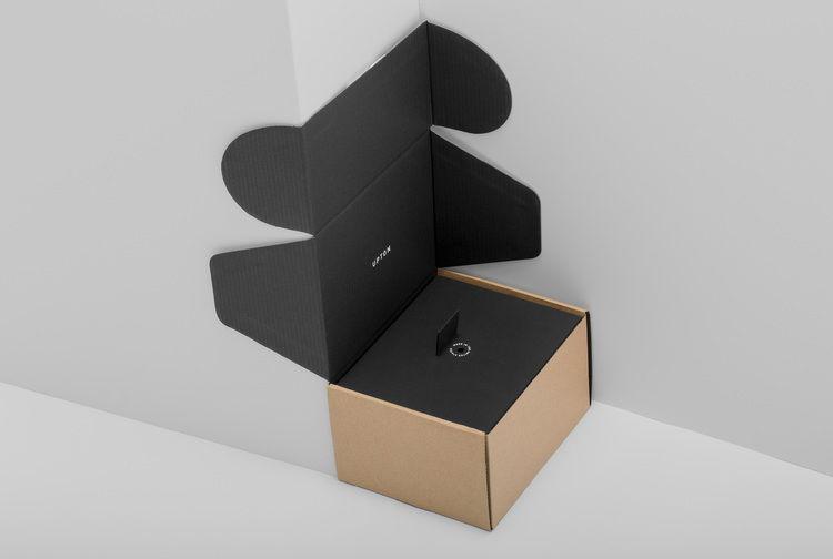 wedgelever-upton-shipping-parcel-03.jpg