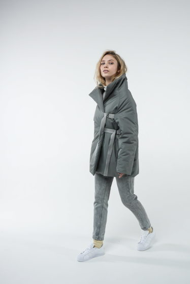 Куртка с завязками