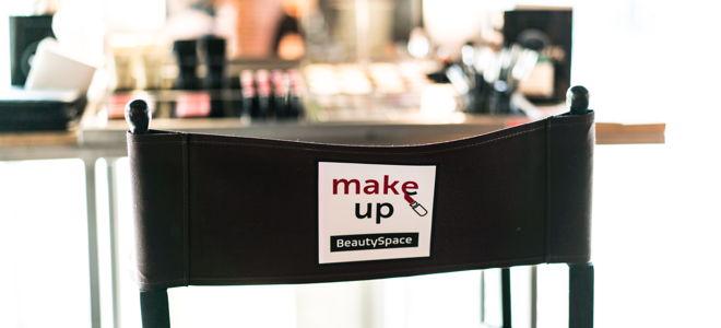 BeautySpace Einrichtung Make up Stuhl