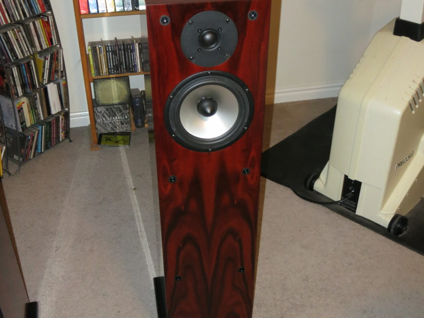 Joseph Audio RM22XL Rosenut Finish Mint Store Demo!