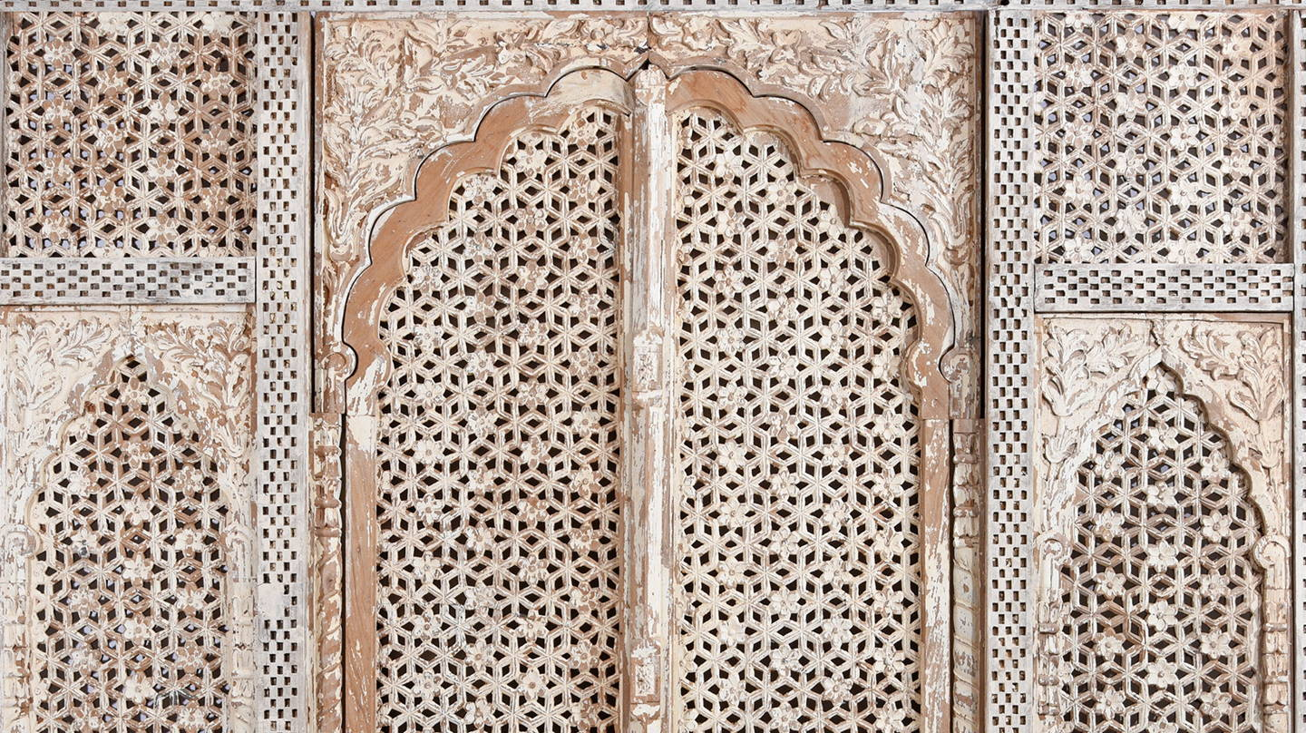 Detailed carving of white Painted & Carved Indian Jali Purdah Screen - Mughal Style | Indigo Oriental Antiques