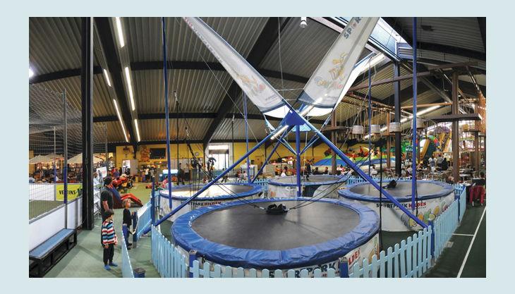 trampolino kinderspielpark bungee
