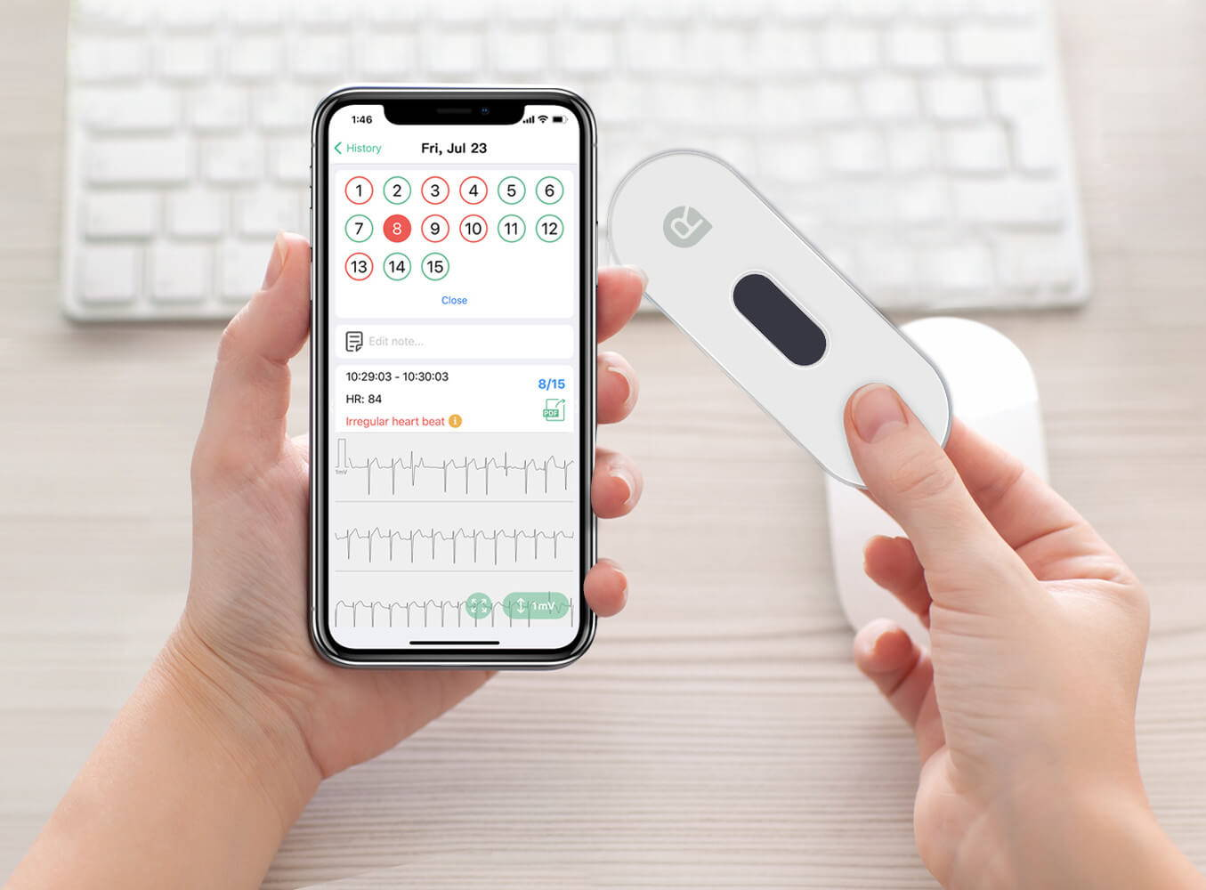 handheld portable EKG monitor, take medical-grade EKG, take instant EKG, app report in EKG monitor