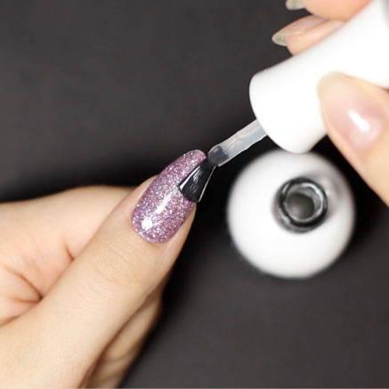 Nail polish, Cosmetics, Finger, Nail care, Body jewelry, Thumb, Violet, Nail, Service, Artificial nails