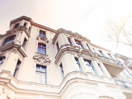 Hamburg - There are benefits to old and new properties – take our quiz to find which suits you.