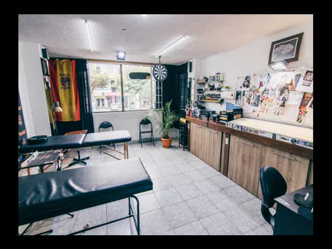 Coso Dipinto Gallery (Tattoo Shop and School)-Montañita