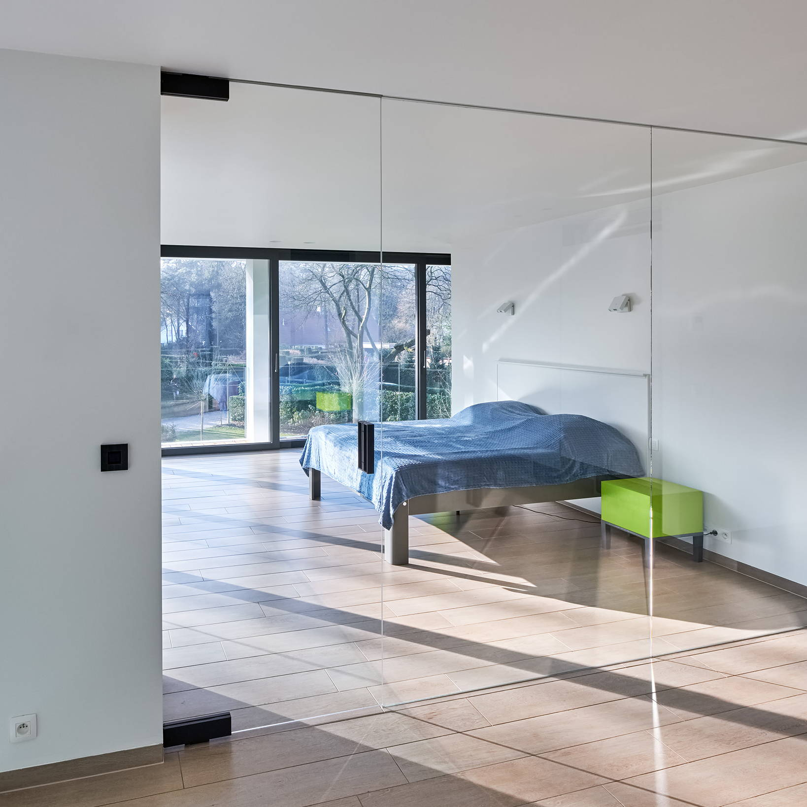 glass pivot door with invisible pivot hinges