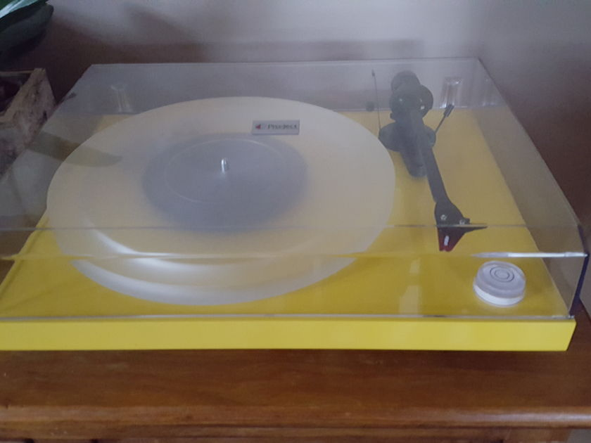 Pro-Ject DC Carbon Moving and Must sell make your offer