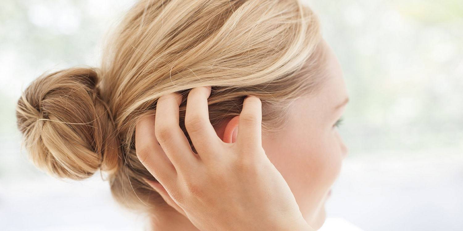 Dandruff vs Dry Scalp: How to I.D. and Best Ways to Improve Both Conditions