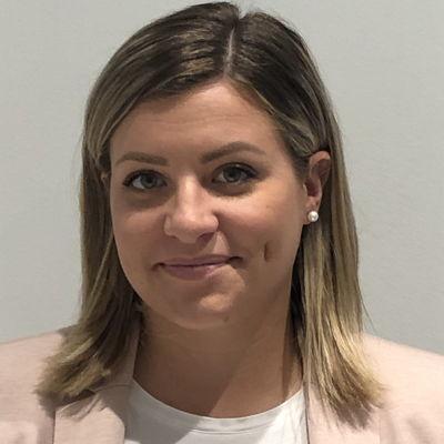 Alexandra Binus  Real estate agent RE/MAX L'Espace