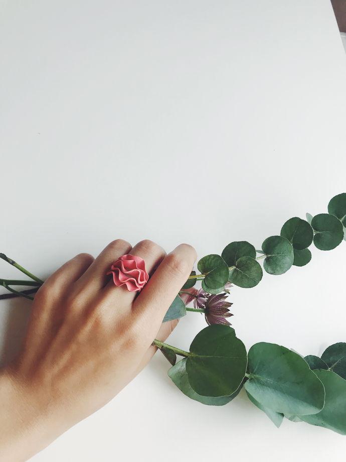 "Кольцо ""Rose"" цвет коралл"